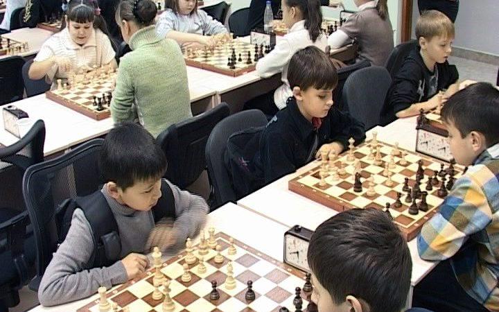Открытый шахматный турнир, посвященный дню рождения Югры, состоялся в Пойковском. В нем приняли участие около 70 спортсменов от 7 до 17 лет