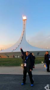 """Вот он - главный Олимпийский факел. Галиислам Багапов, старший тренер по дзюдо СОК """"Чемпион"""" с.п. Сингапай (Нефтеюганский район), как и первая белая Олимпиада, вошёл в историю нашей страны."""