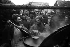 полевая кухня, повар, армейская еда