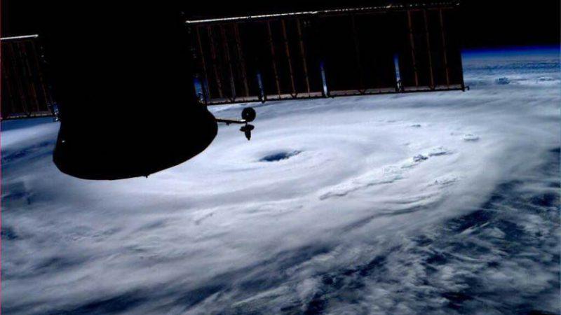 Снимок с МКС космонавта Рейда Вайсмана