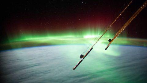 Северное сияние около Австралии, снятое с МКС