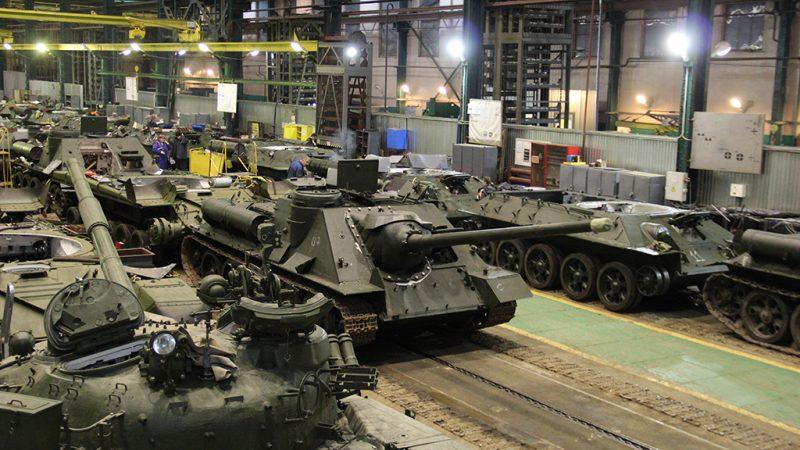 Легендарные боевые машины времен Великой Отечественной войны второй раз в новейшей истории России выйдут на брусчатку главной площади страны.