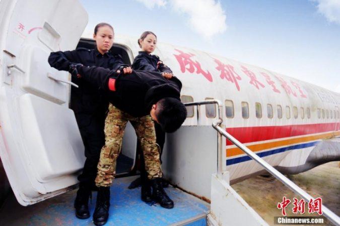 Спецподготовка китайских стюардесс