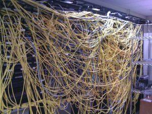 провода, серверная, коммуникации