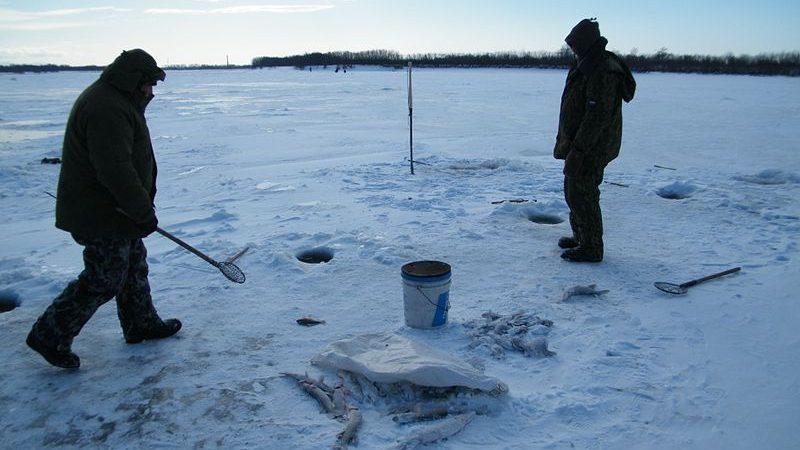 рыбак, зима, лед рыбалка