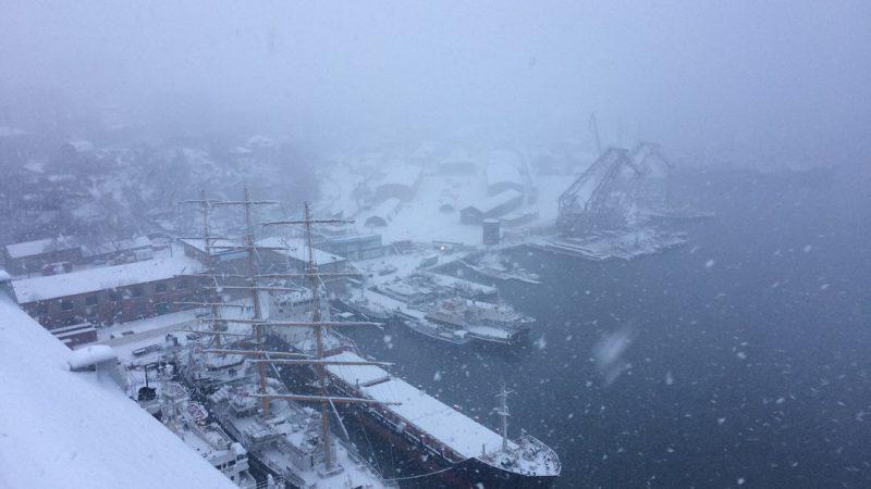 Владивосток, снег,